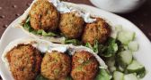 These homemade falafels will make you look forward to Meatless Mondays