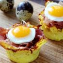 How to make baked quail eggs in potato nests?