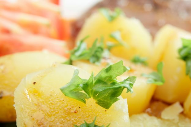 10 fun things to add to homemade mashed potatoes