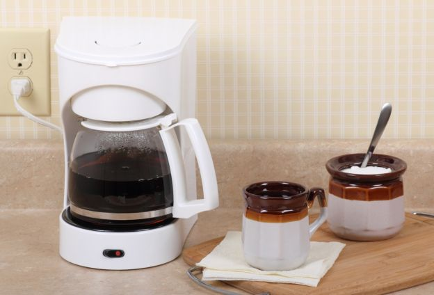 Coffee Maker Without Plastic Taste : KITCHEN HACK: How To Brew Coffee Without a Coffee Maker