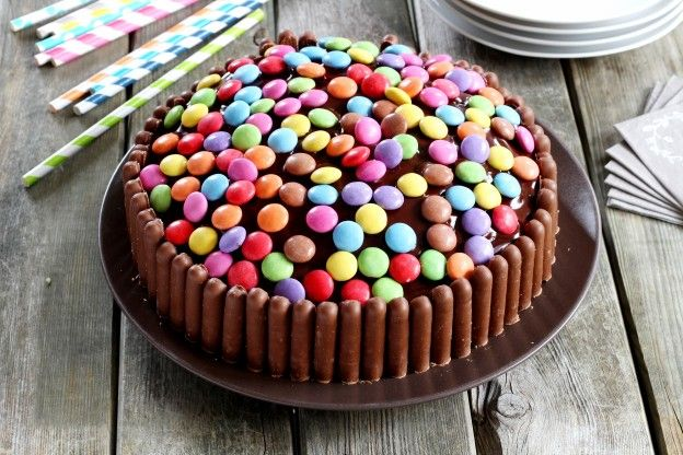 The M&M and chocolate finger birthday cake your kids will love!
