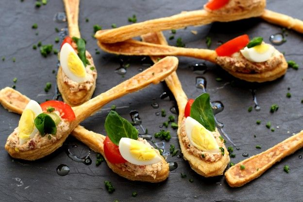 Puff-pastry spoons