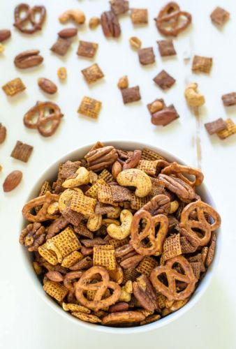 Sweet and spicy Chex Mix