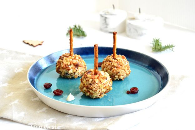 Mini Cranberry Pecan Cheese Ball Bites
