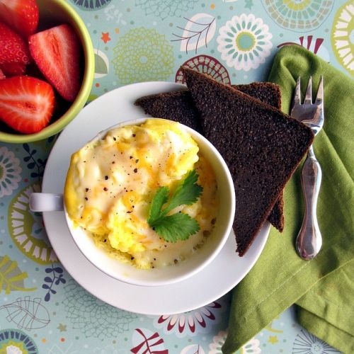 how to make the best scrambled eggs in the microwave