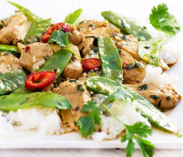 Thailand- Thai Green Curry Chicken With Snow Peas