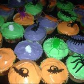 Creep Crawly Cupcakes