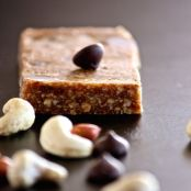 Peanut, cashew and chocolate bar