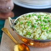 Recipe for ONE-PAN green pea pilaf!