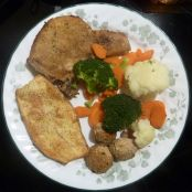 BREADED PORK CHOPS WITH VEGETABLES