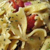 Easy Bow-Tie Pasta Salad with Tomatoes