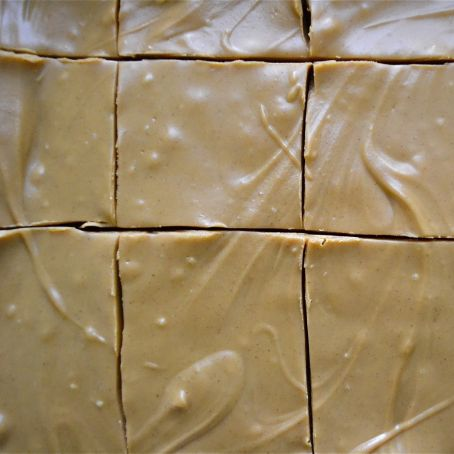 This 4-ingredient peanut butter fudge will change the way you eat peanut butter