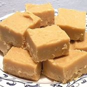 Easiest Peanut Butter Fudge EVER!