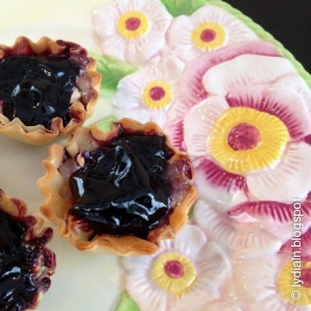 Jam and Brie fillo cups