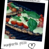 healthy summer grilled italian margherita pizza!