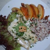 Pike fillet with apples and walnuts