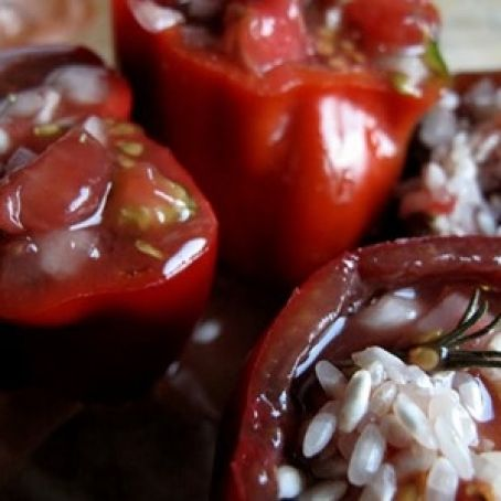 Peppers stuffed with goat cheese