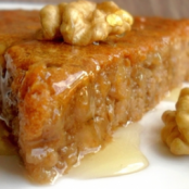 Cake with walnuts and honey