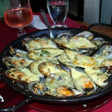 Mussels au Gratin with Mustard