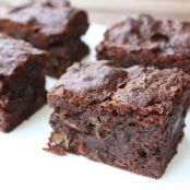 Chocolate Brownies with Dates and Walnut Wine
